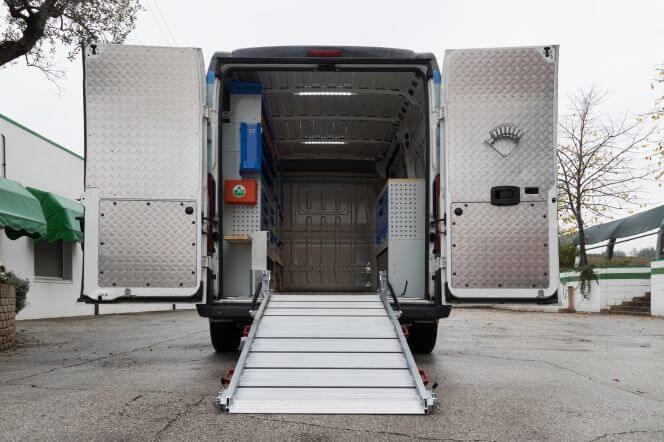 equipamiento para furgonetas - rampas de carga