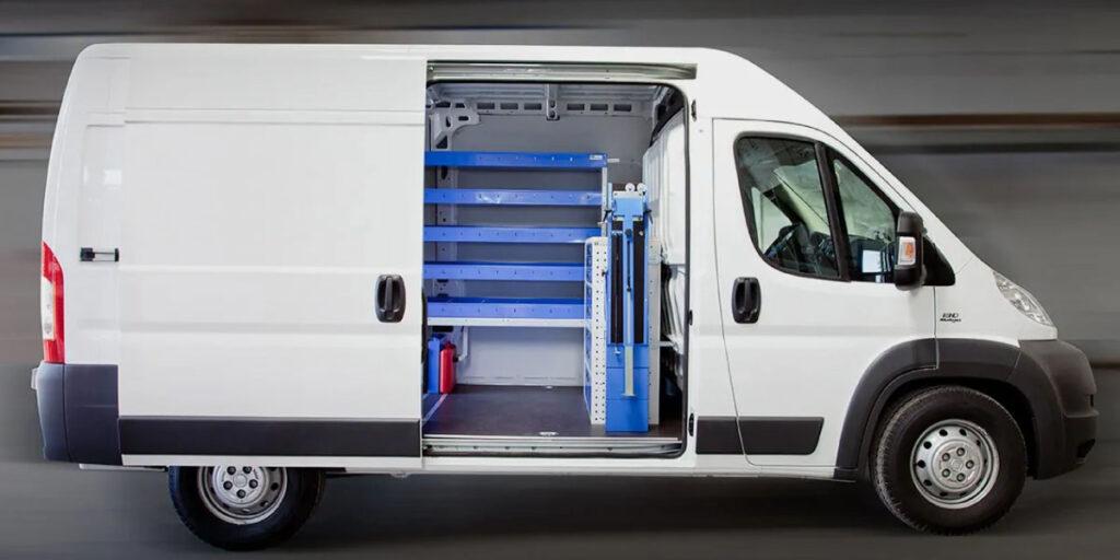 cómo equipar una furgoneta taller